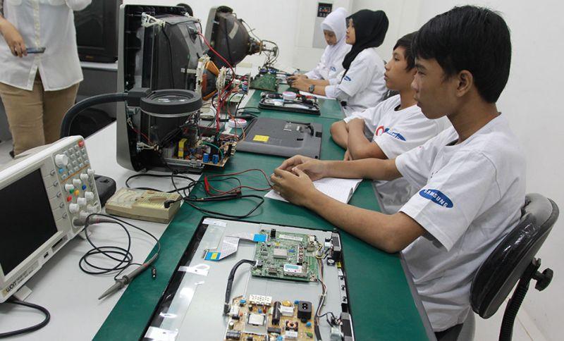 kursus service elektronik, elektronika