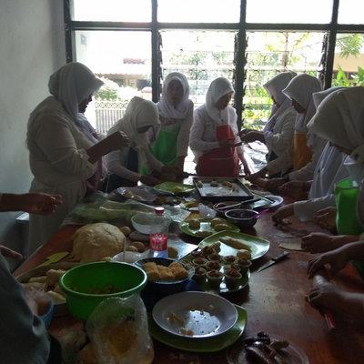 Lembaga Pelatihan Kerja Dhini (Tata Boga)