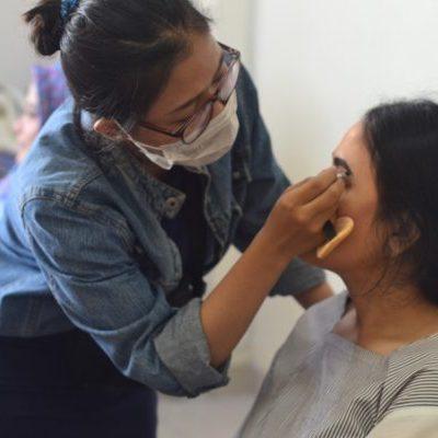 Kursus online make up artist pemula